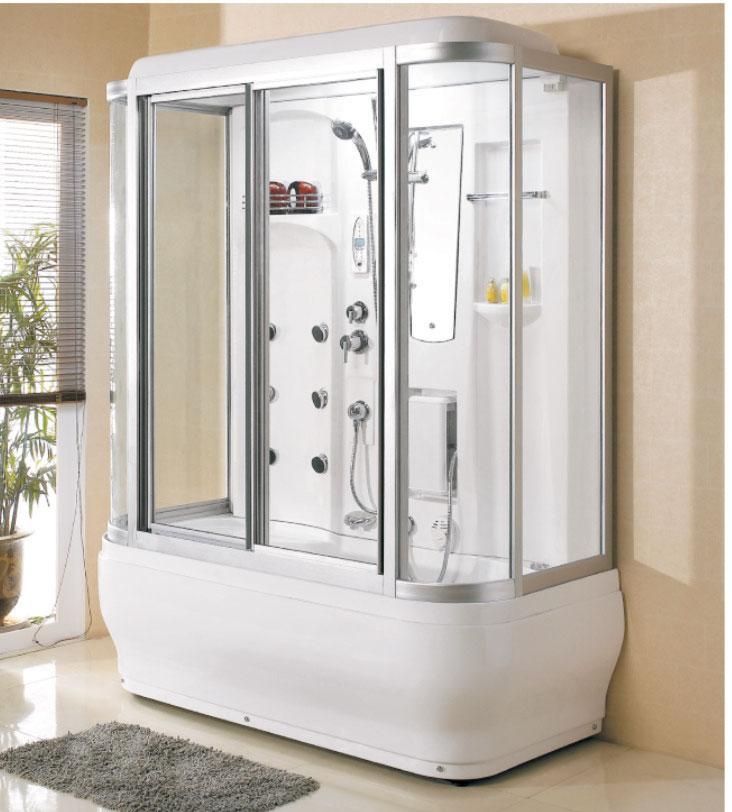 Белый душ для бежевой ванной комнаты