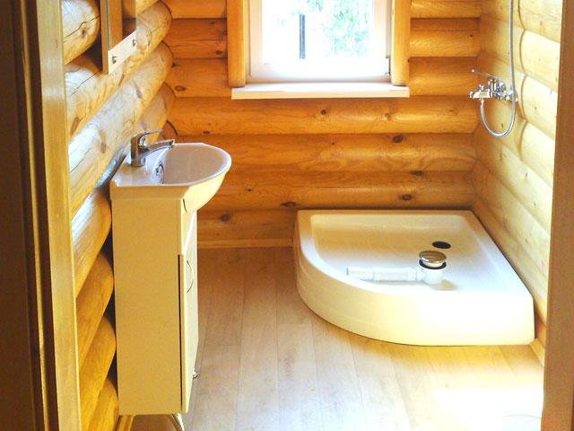 Душевые кабины своими руками в деревянном доме фото