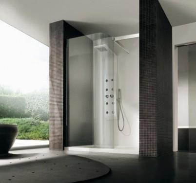 Выстроенный в ванную, оформленную мозаикой, душ
