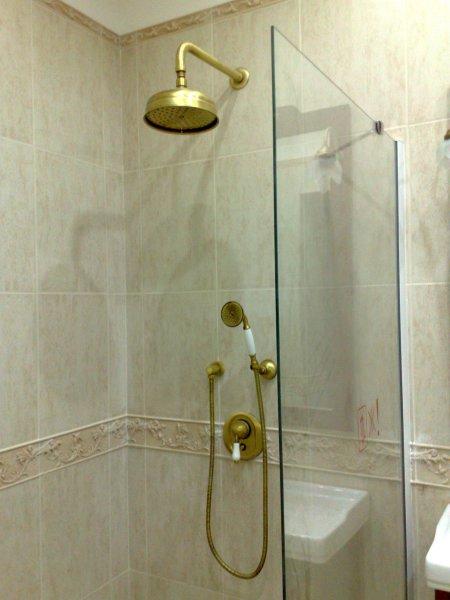 Душ открытого типа для ванной комнаты