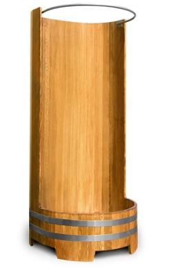 Кабина из натурального дерева, оформленная в деревенском стиле