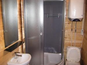 Душевая кабина в частном доме